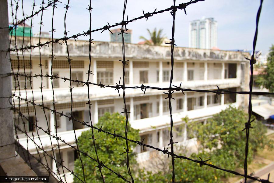 communistjail14 Тюрьма для врагов коммунизма и место убийства 17 000 человек. Туол Сленг и Чоенг Эк