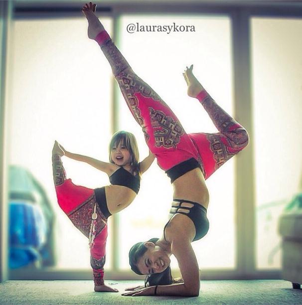2014 3 12 11 39 14 Instagram недели: Занятия йогой мамы и дочки покорили мир