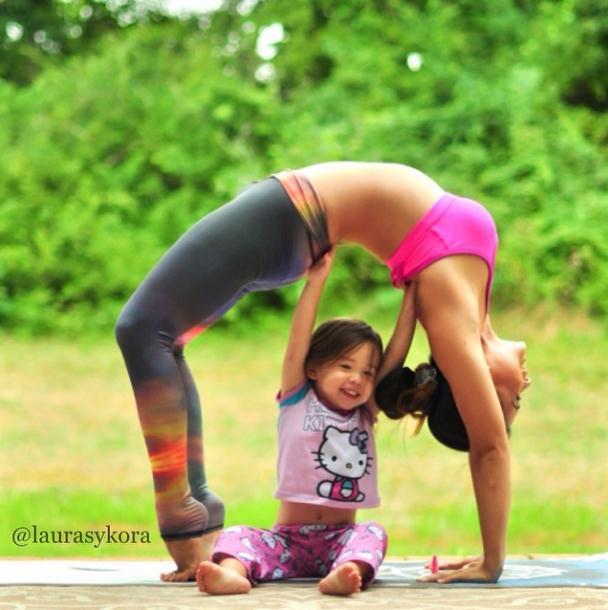 2014 3 12 11 41 42 Instagram недели: Занятия йогой мамы и дочки покорили мир