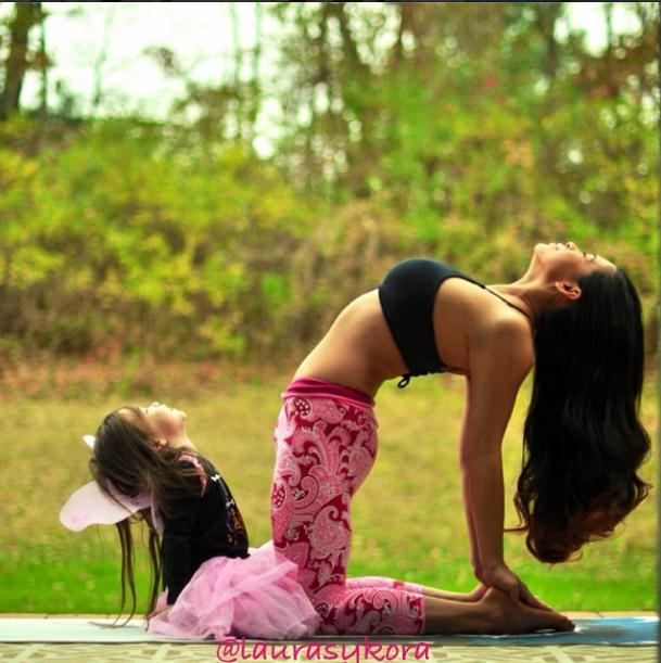 2014 3 12 11 43 44 Instagram недели: Занятия йогой мамы и дочки покорили мир