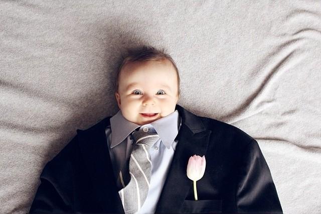 BabiesinSuits04 Инстаграм недели: Смешные малыши в одежде взрослых