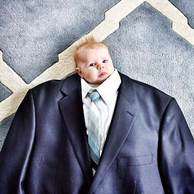 BabiesinSuits08 Инстаграм недели: Смешные малыши в одежде взрослых
