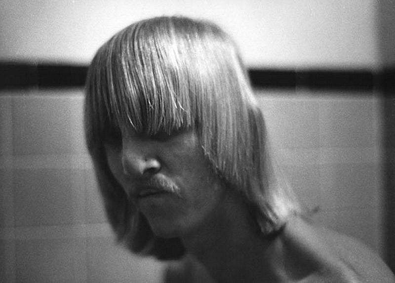 Minkkinen01 Необычные автопортреты Арно Минккинена