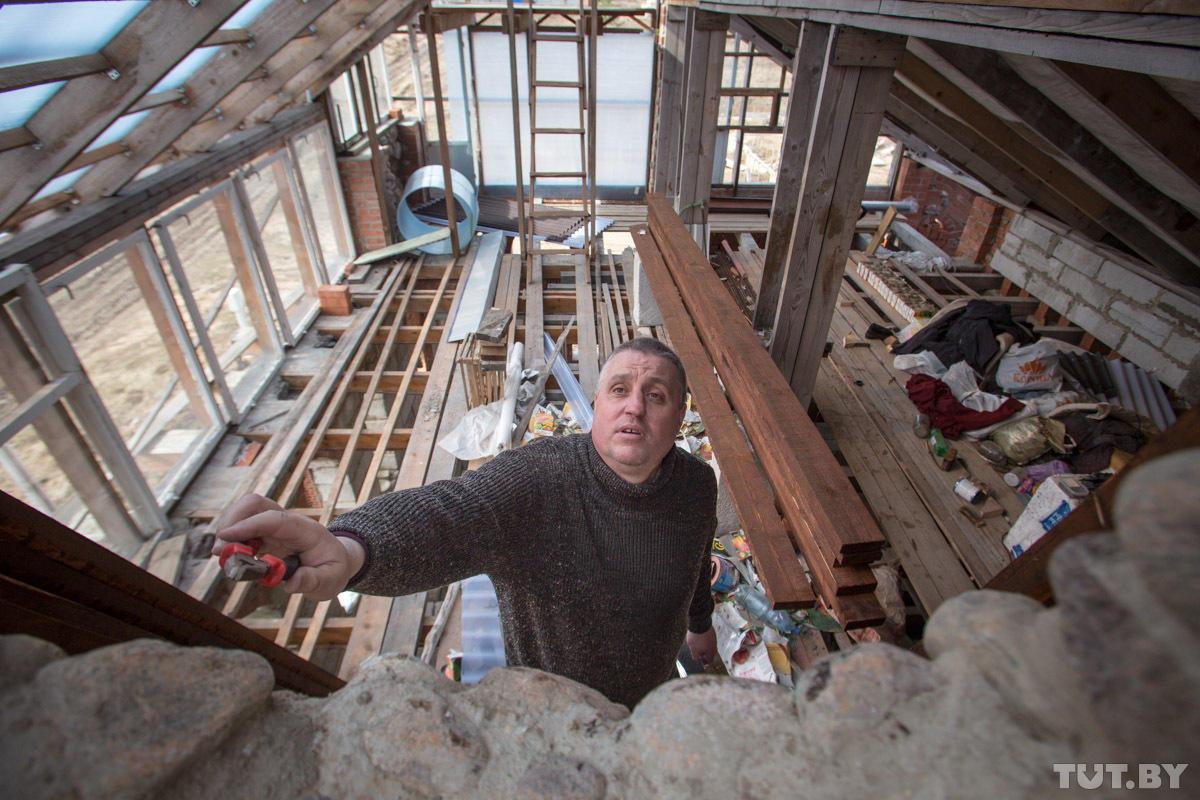 enthusiast13 Строитель энтузиаст возводит дом уже 10 лет