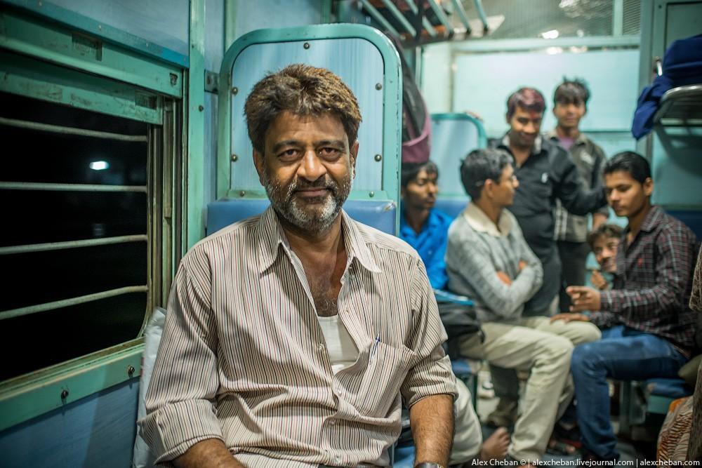 indiantrain19 Общий вагон индийского поезда