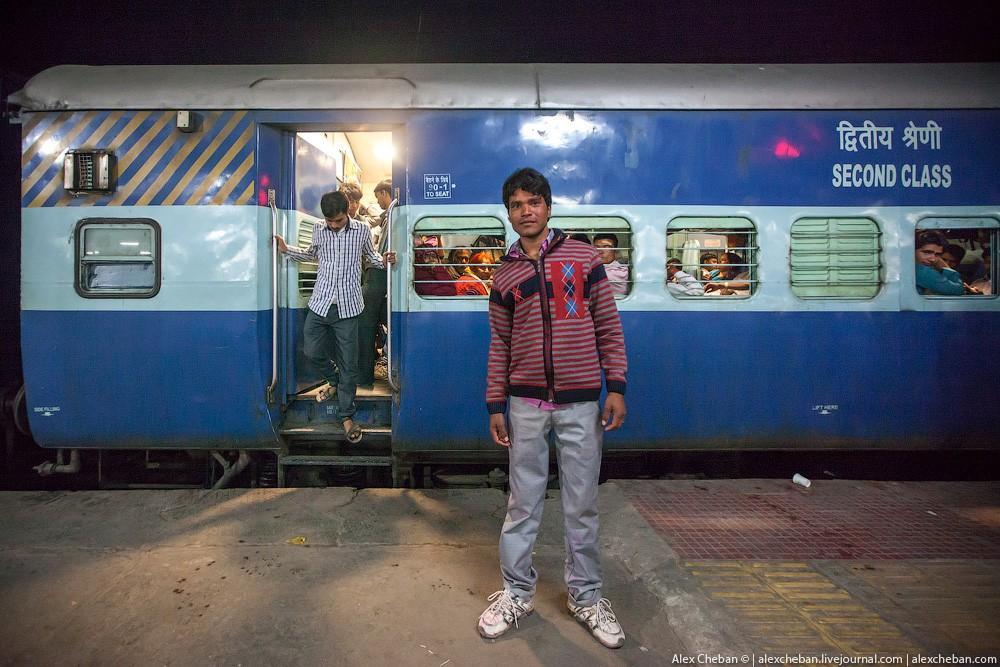 indiantrain24 Общий вагон индийского поезда
