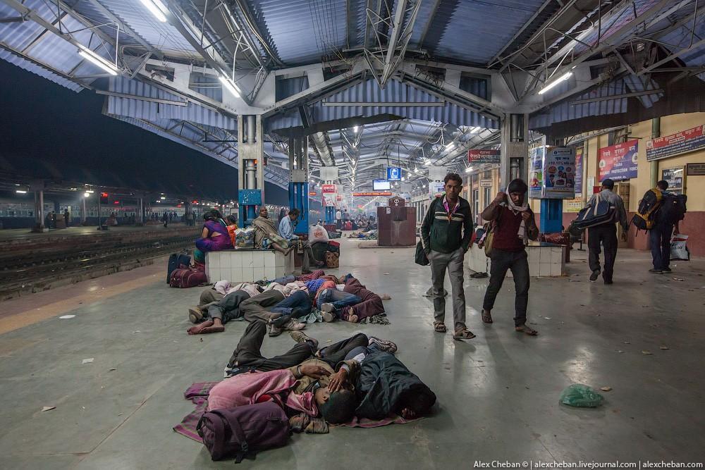 indiantrain27 Общий вагон индийского поезда