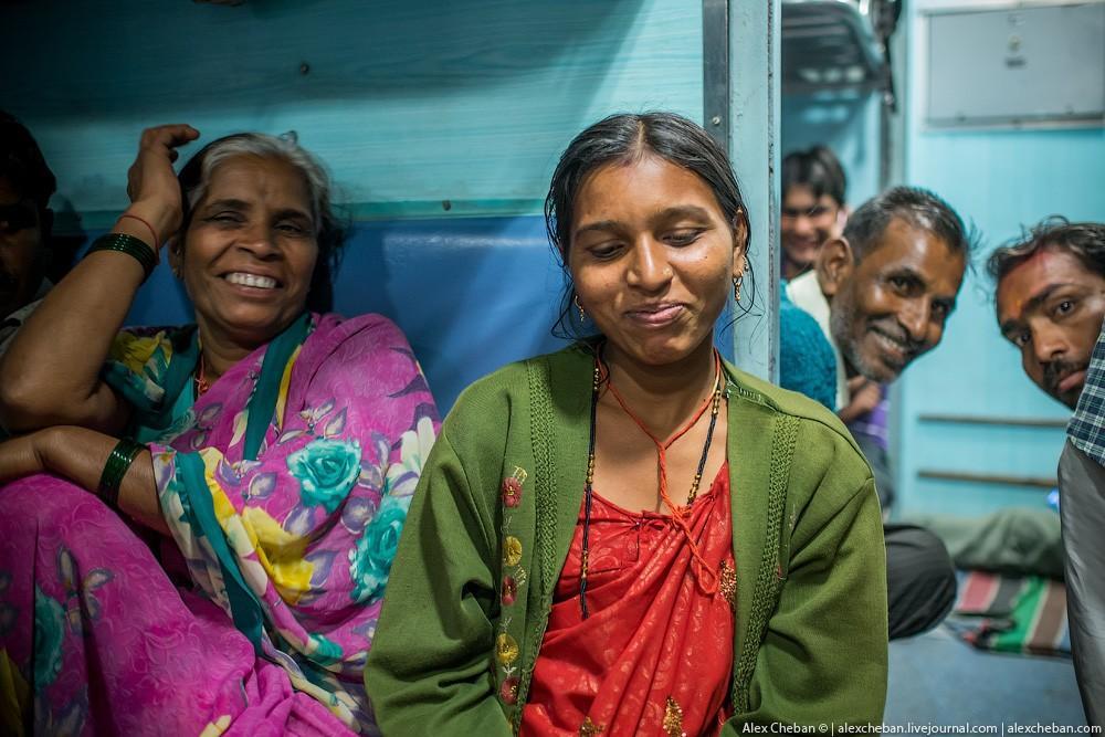 indiantrain30 Общий вагон индийского поезда