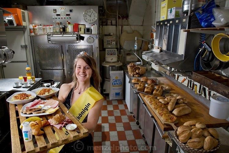 what i eat02 Увлекательный проект: Что едят люди в разных странах