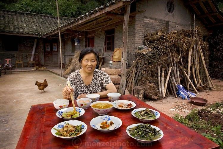 what i eat23 Увлекательный проект: Что едят люди в разных странах
