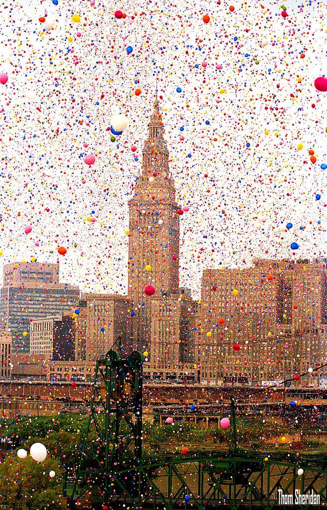 0d4b55ceda92d9648cdf0712e66bcc071 В 1986 году на Кливленд напали... шарики