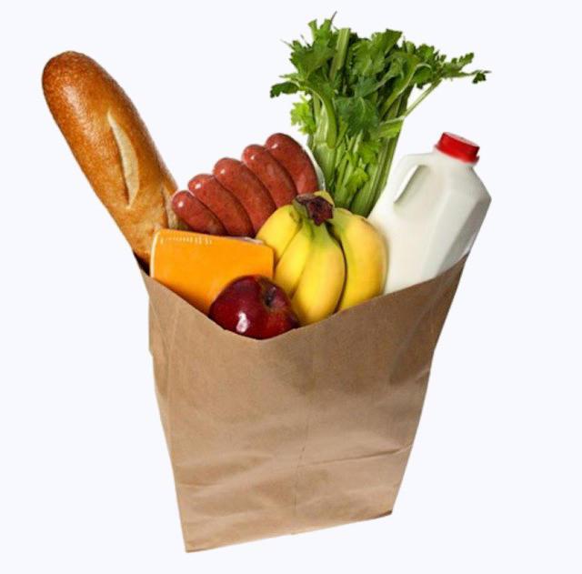 12. Если в кино кто-нибудь несет из магазина бумажный пакет с покупками, то из него обязательно торчит французский багет.