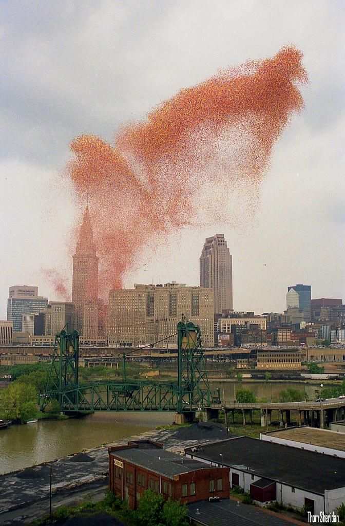 8600829470 3e3ddb427b b1 В 1986 году на Кливленд напали... шарики