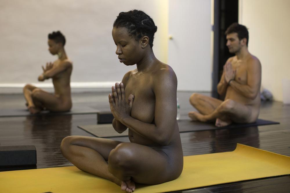 BoldnNaked01 Обнаженные йоги в Нью Йорке