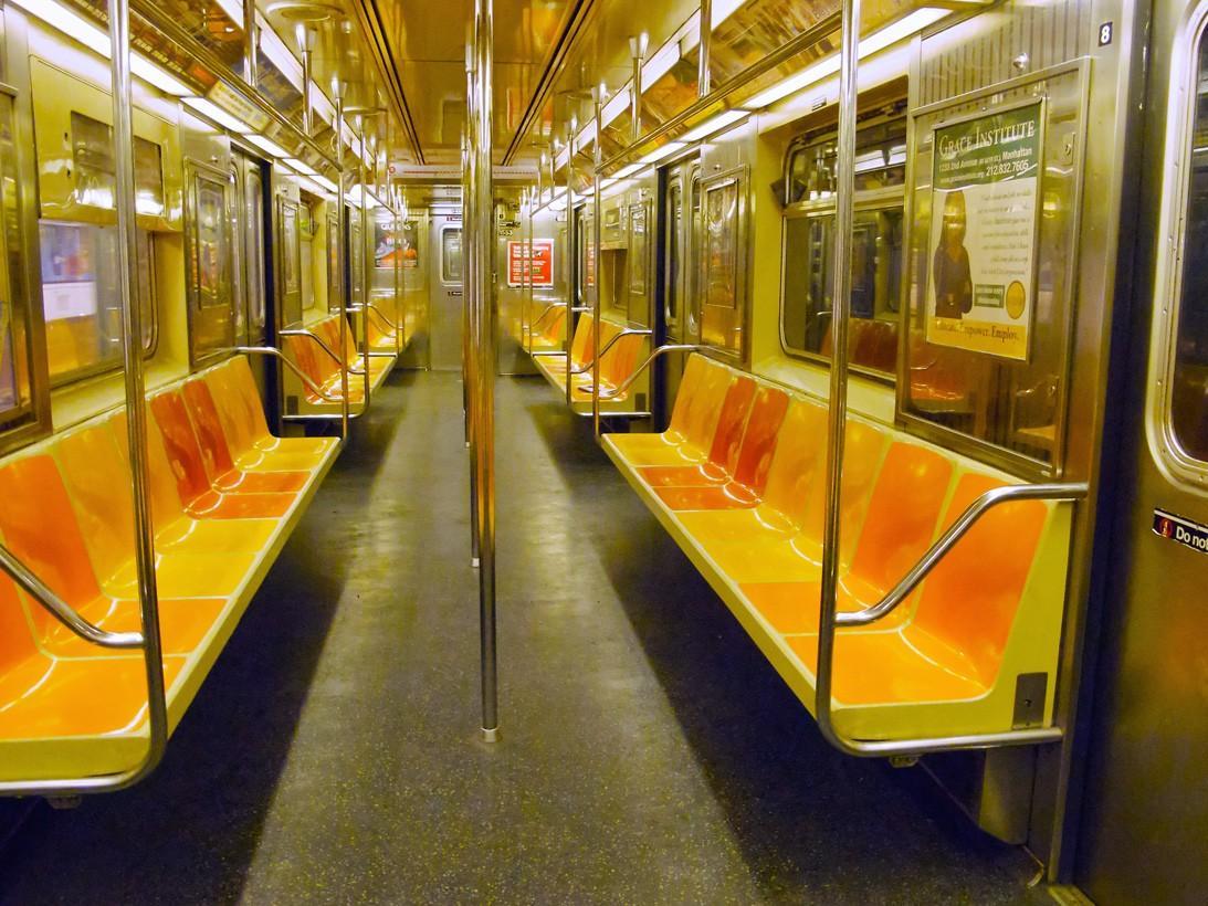 subwaywagons02 - Как выглядят вагоны метро разных стран и эпох
