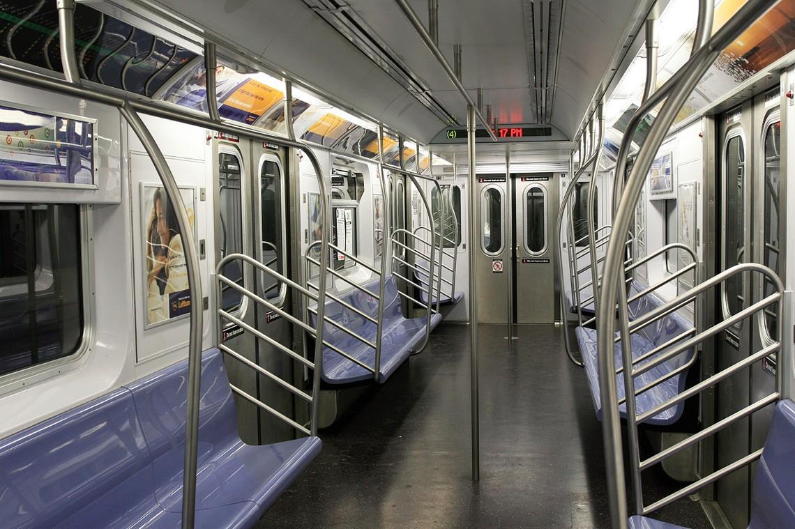 subwaywagons06 - Как выглядят вагоны метро разных стран и эпох