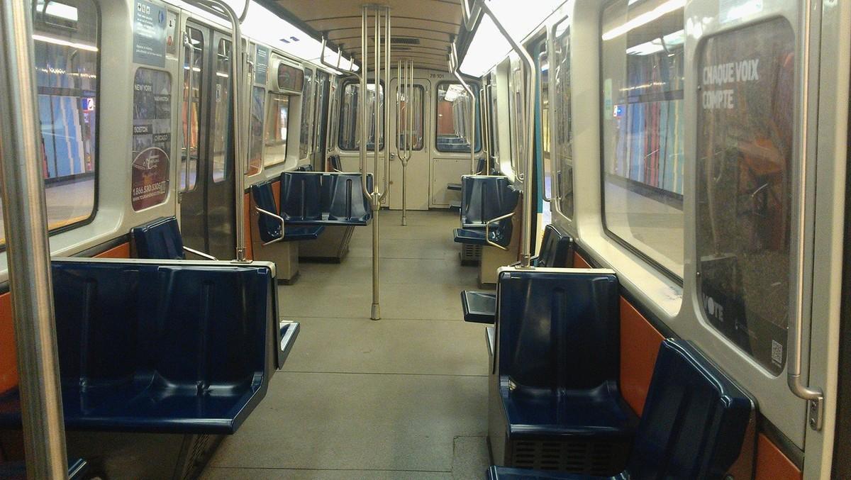 subwaywagons07 - Как выглядят вагоны метро разных стран и эпох