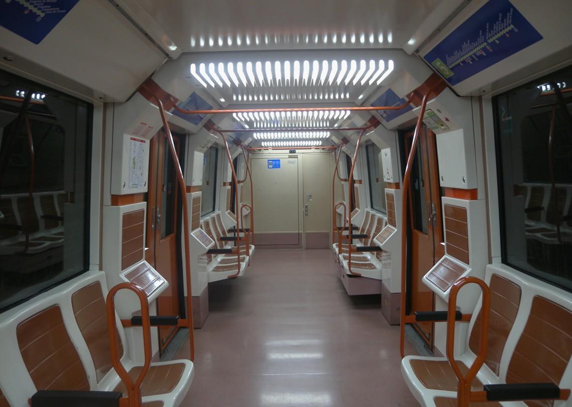 subwaywagons08 - Как выглядят вагоны метро разных стран и эпох
