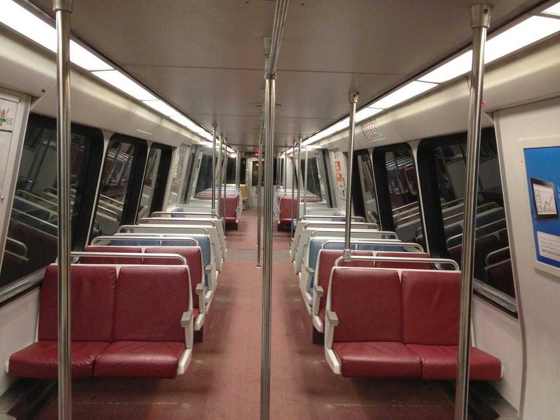 subwaywagons11 - Как выглядят вагоны метро разных стран и эпох