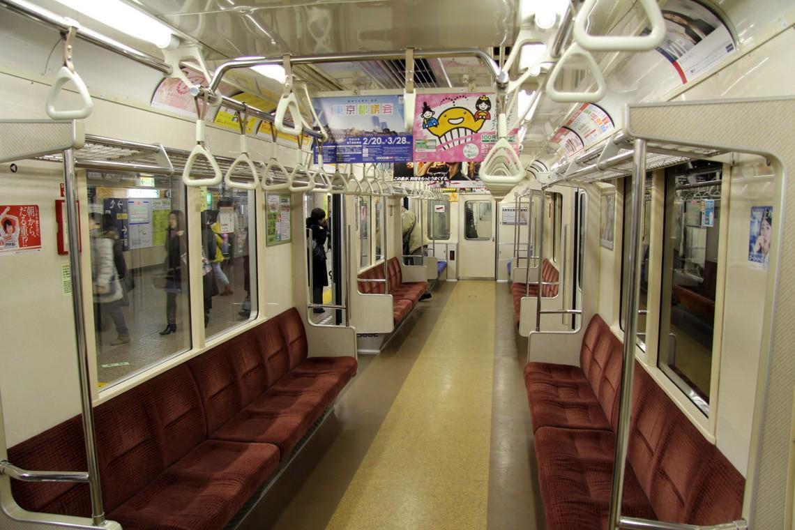subwaywagons13 - Как выглядят вагоны метро разных стран и эпох