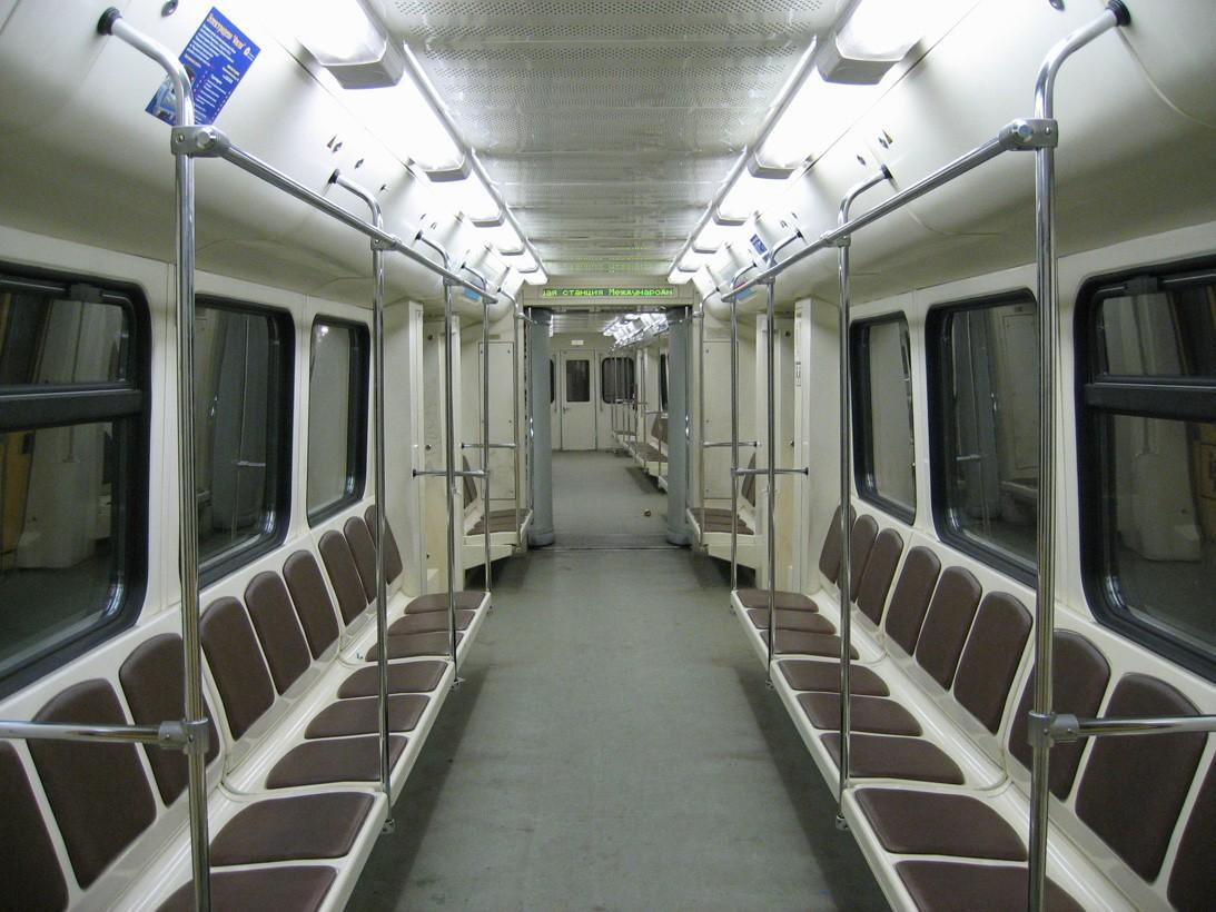subwaywagons14 - Как выглядят вагоны метро разных стран и эпох