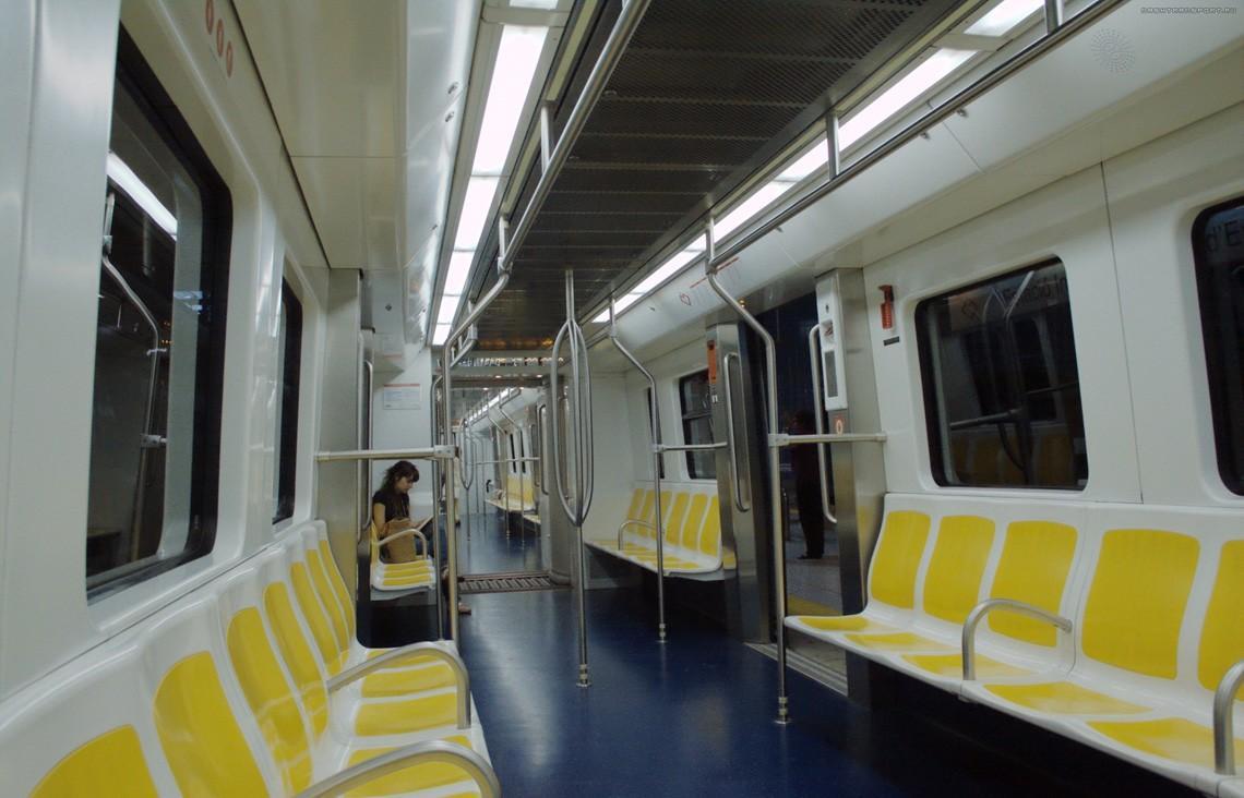 subwaywagons16 - Как выглядят вагоны метро разных стран и эпох