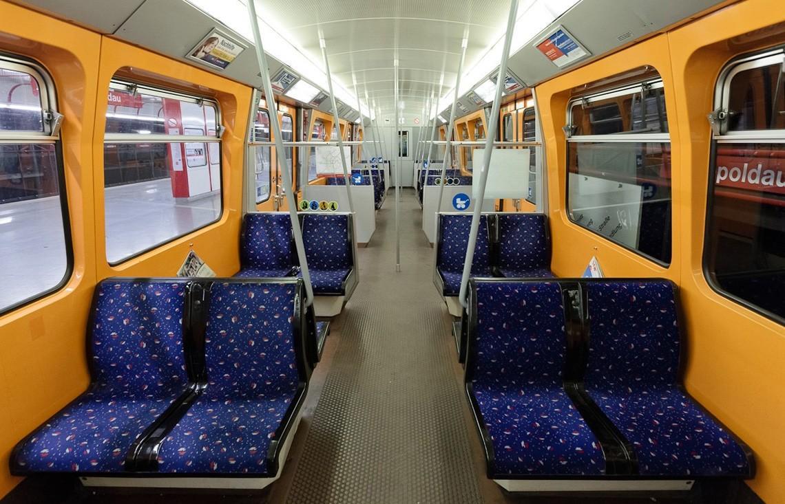 subwaywagons20 - Как выглядят вагоны метро разных стран и эпох
