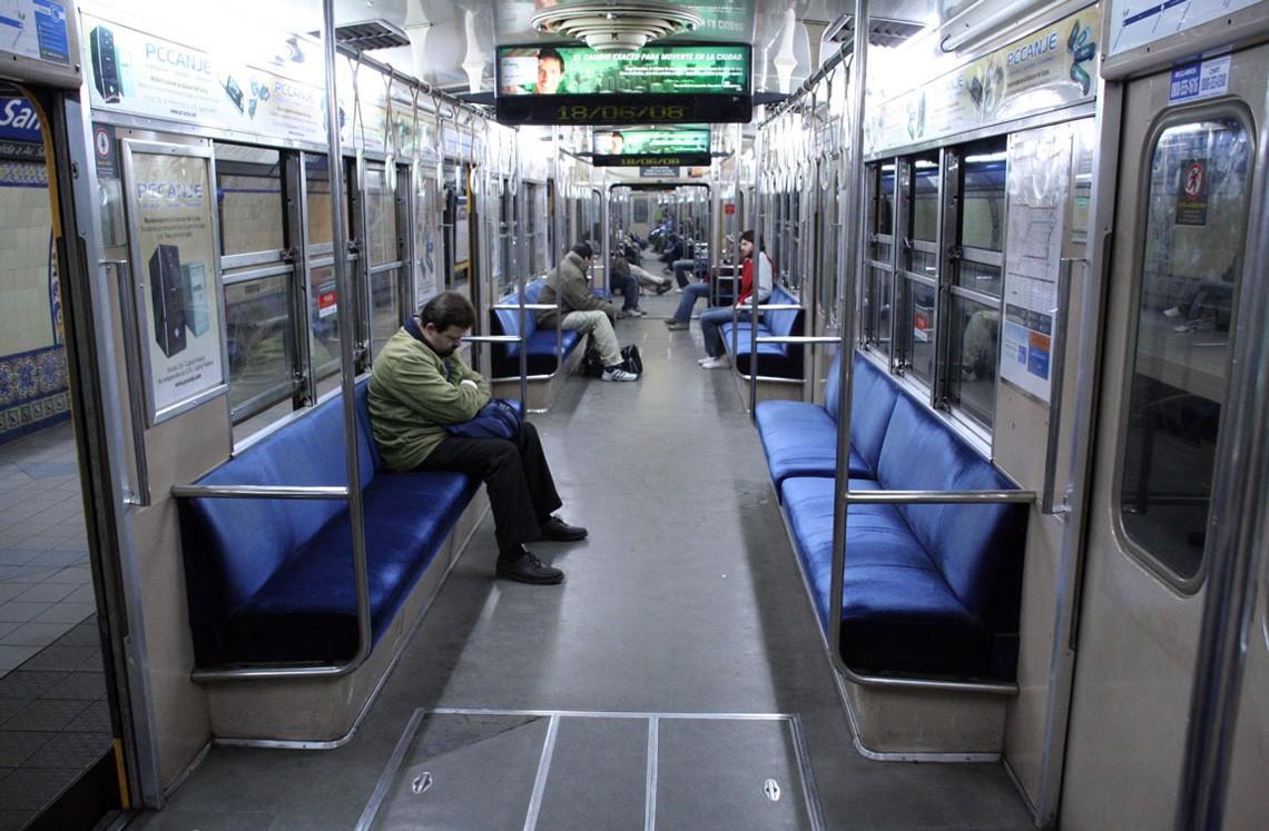 subwaywagons22 - Как выглядят вагоны метро разных стран и эпох