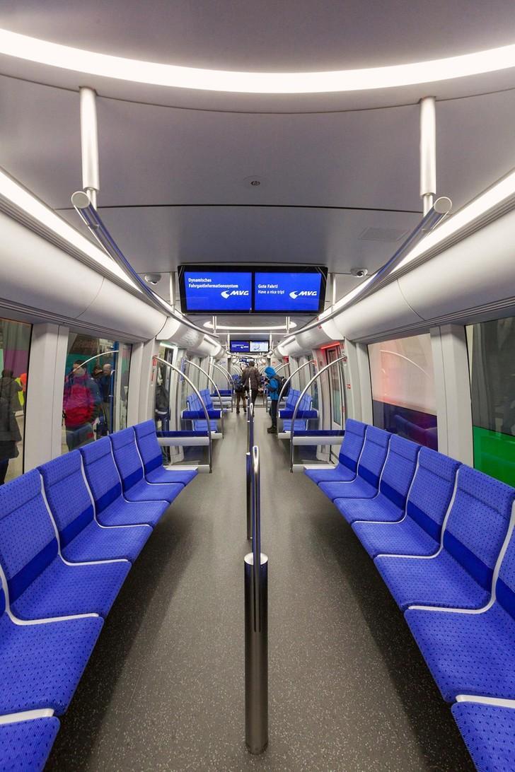 subwaywagons23 - Как выглядят вагоны метро разных стран и эпох