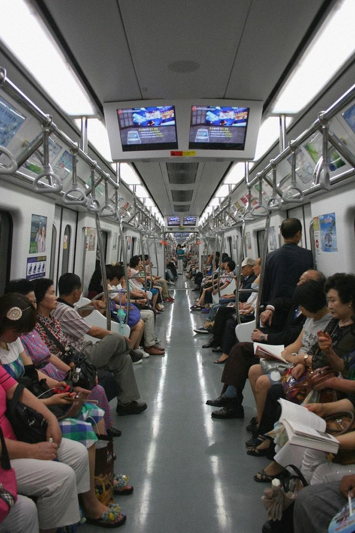 subwaywagons24 - Как выглядят вагоны метро разных стран и эпох