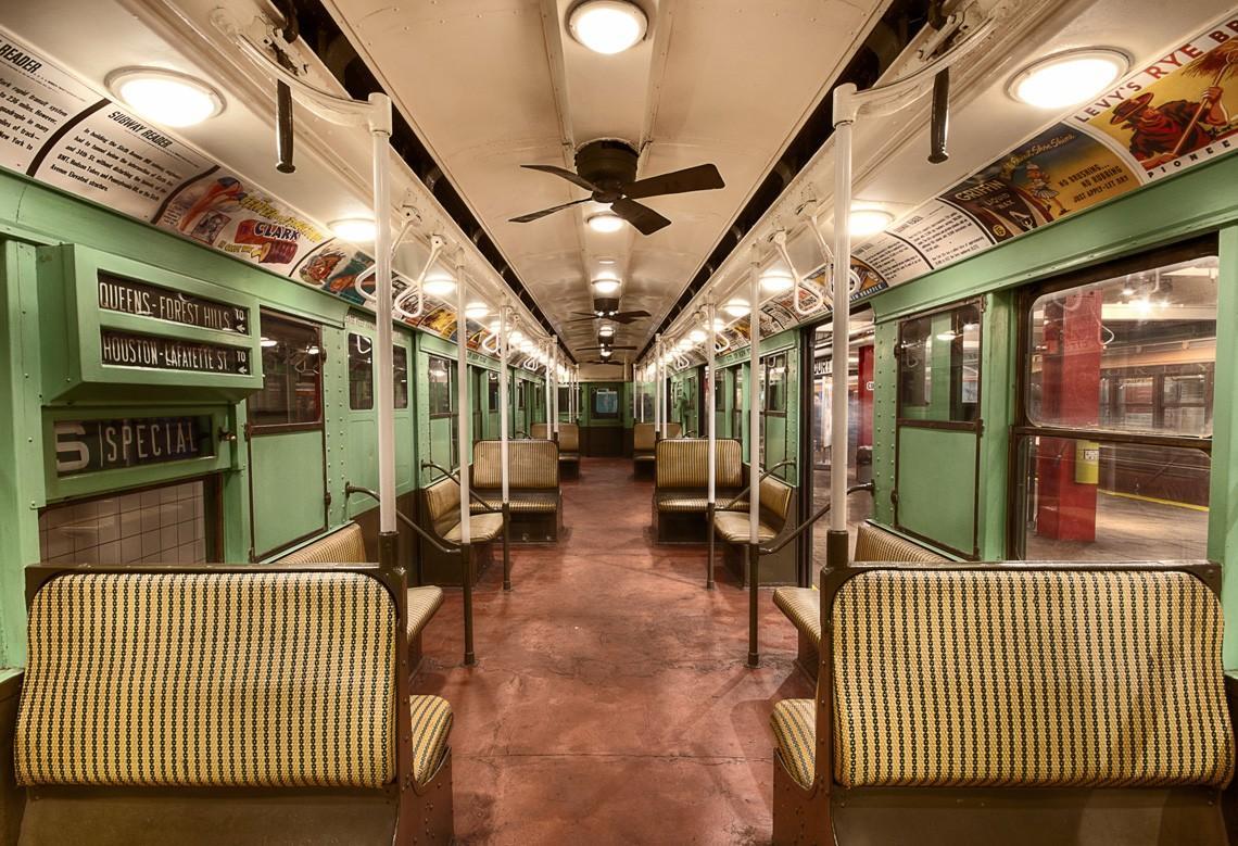 subwaywagons26 - Как выглядят вагоны метро разных стран и эпох