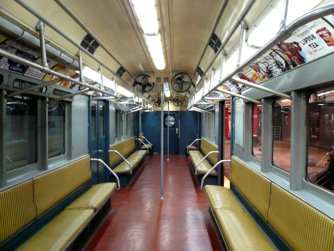 subwaywagons28 - Как выглядят вагоны метро разных стран и эпох