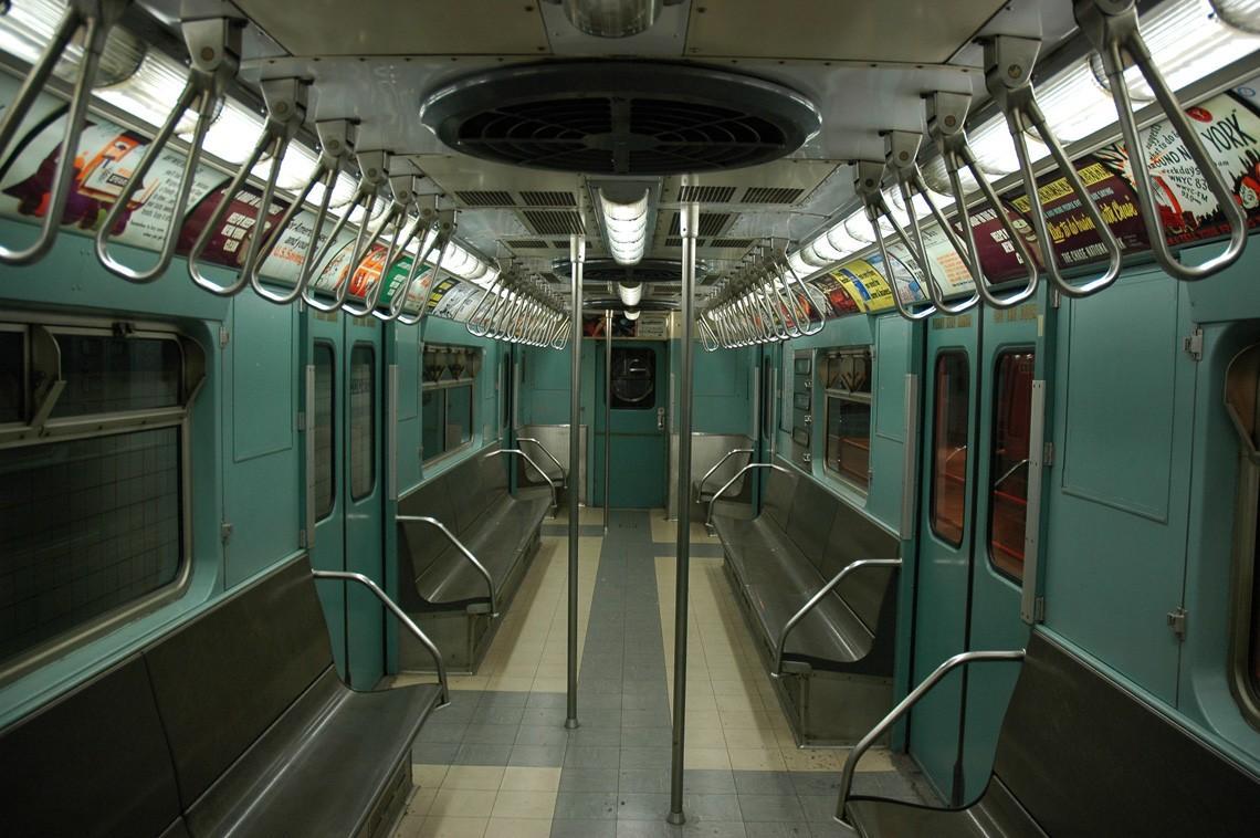subwaywagons29 - Как выглядят вагоны метро разных стран и эпох