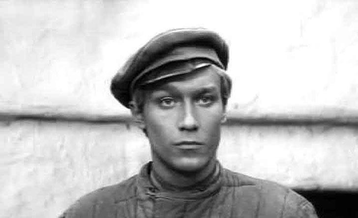 1strolespt1 16 Любимые советские актеры. Первые роли в кино. Часть 1