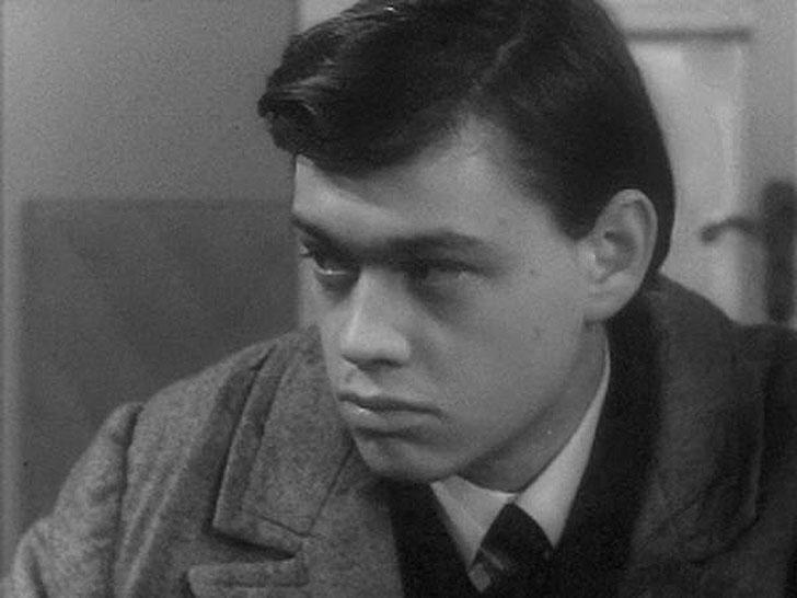 1strolespt1 24 Любимые советские актеры. Первые роли в кино. Часть 1