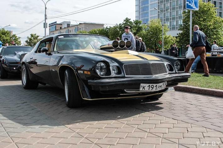 RetroAuto11 Ретропарад в седьмой раз собрал любителей автомобильной классики в Минске
