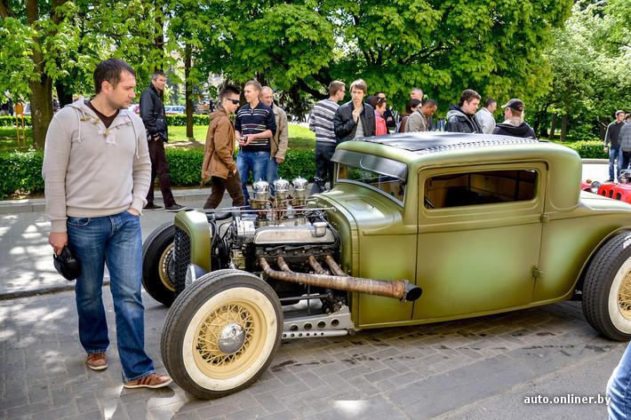 RetroAuto13 Ретропарад в седьмой раз собрал любителей автомобильной классики в Минске