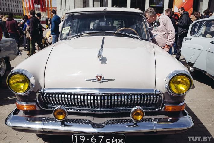 RetroAuto26 Ретропарад в седьмой раз собрал любителей автомобильной классики в Минске