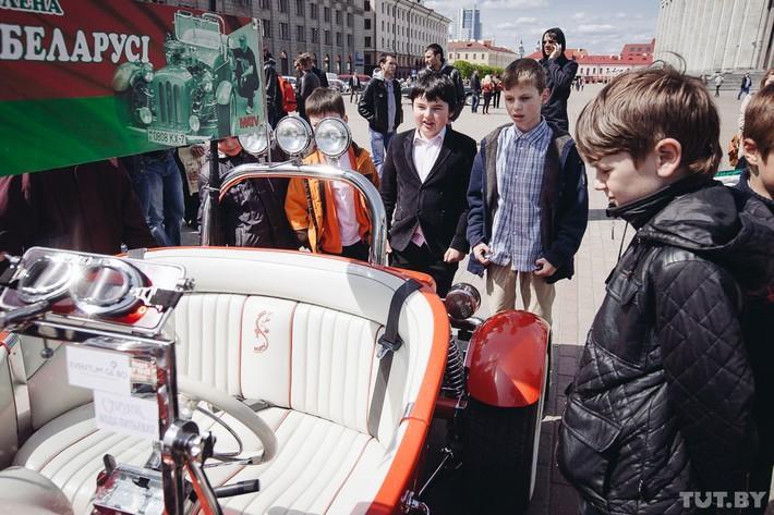 RetroAuto38 Ретропарад в седьмой раз собрал любителей автомобильной классики в Минске