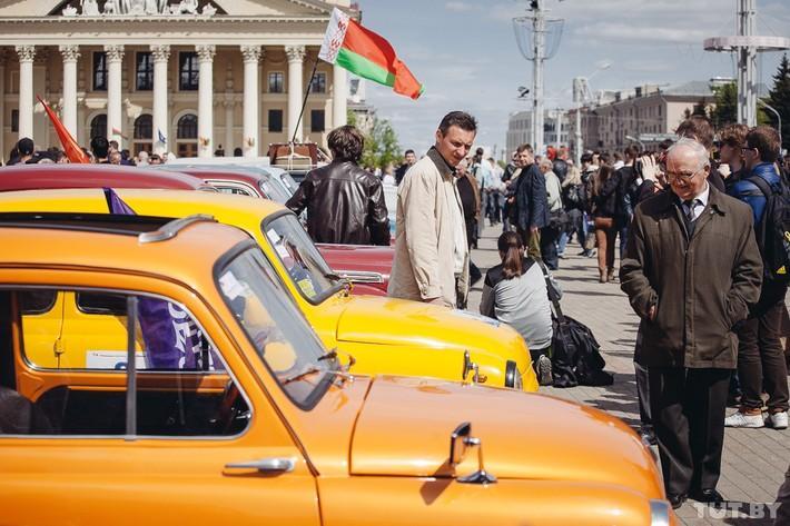 RetroAuto41 Ретропарад в седьмой раз собрал любителей автомобильной классики в Минске