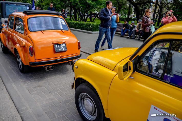 RetroAuto42 Ретропарад в седьмой раз собрал любителей автомобильной классики в Минске