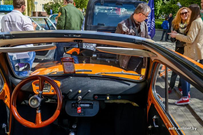 RetroAuto74 Ретропарад в седьмой раз собрал любителей автомобильной классики в Минске