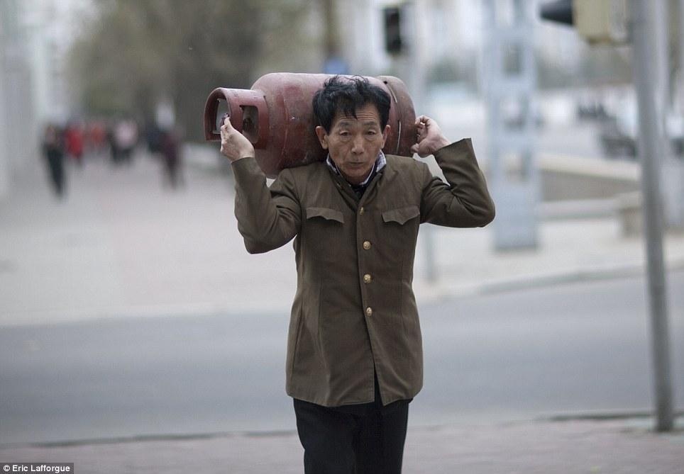 insideNorthKorea06 Запрещенные фотографии — Северная Корея, снятая скрытой камерой