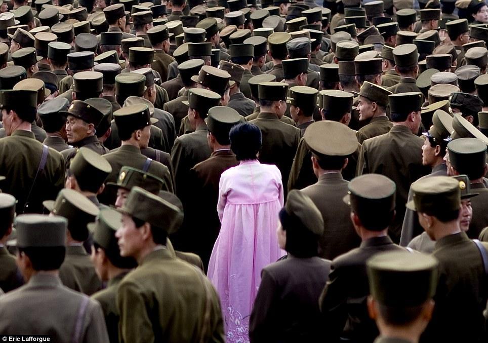 insideNorthKorea08 Запрещенные фотографии — Северная Корея, снятая скрытой камерой