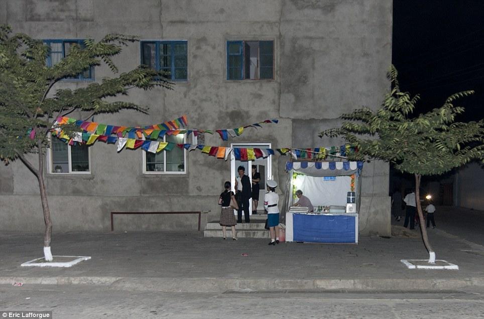 insideNorthKorea21 Запрещенные фотографии — Северная Корея, снятая скрытой камерой