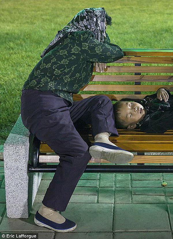 insideNorthKorea22 Запрещенные фотографии — Северная Корея, снятая скрытой камерой