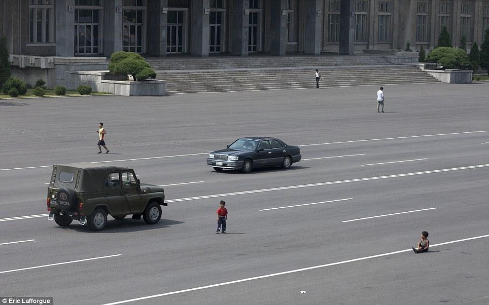 insideNorthKorea24 Запрещенные фотографии — Северная Корея, снятая скрытой камерой