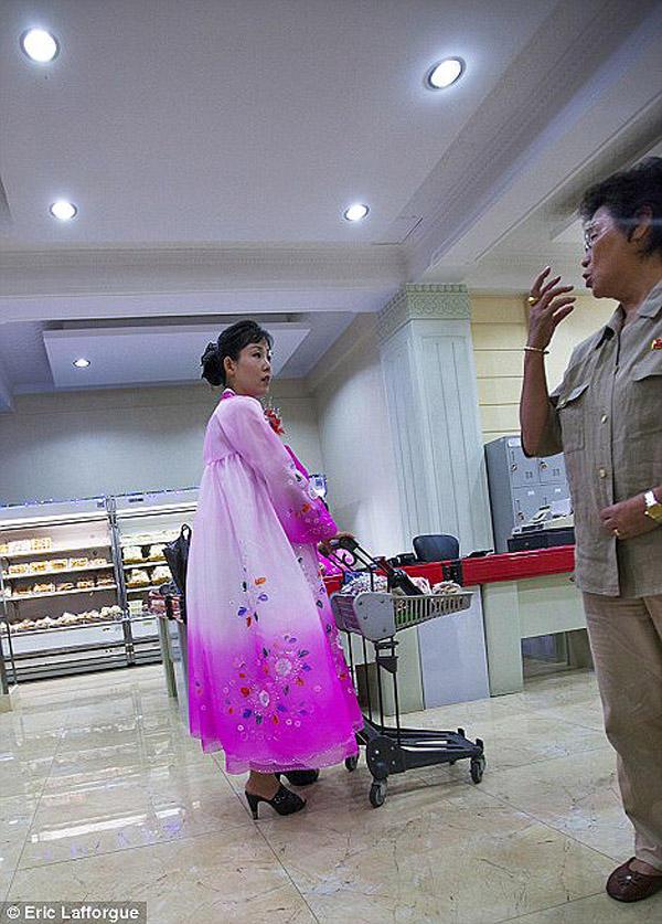 insideNorthKorea25 Запрещенные фотографии — Северная Корея, снятая скрытой камерой