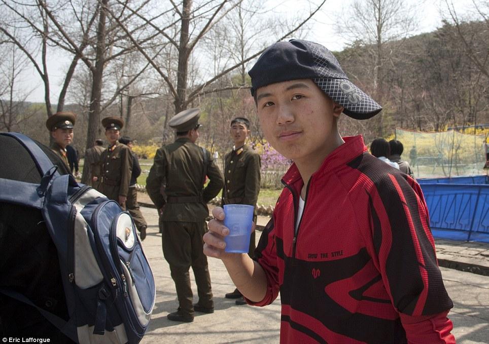 insideNorthKorea29 Запрещенные фотографии — Северная Корея, снятая скрытой камерой