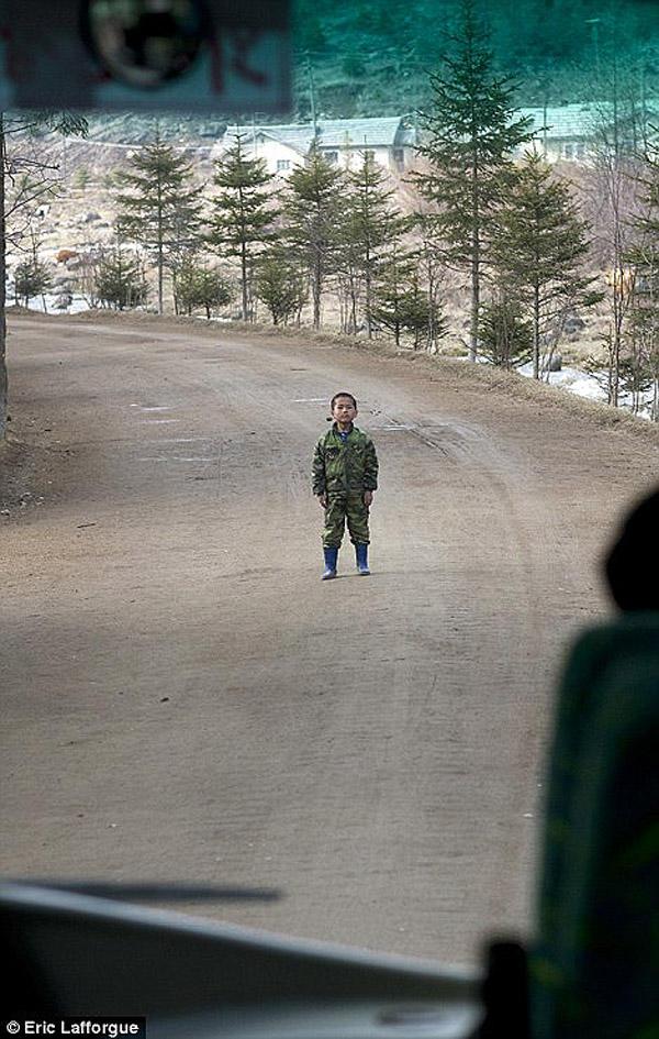 insideNorthKorea36 Запрещенные фотографии — Северная Корея, снятая скрытой камерой